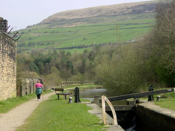 from Woodend Lock (14W) Huddersfield Narrow Canal, Mossley