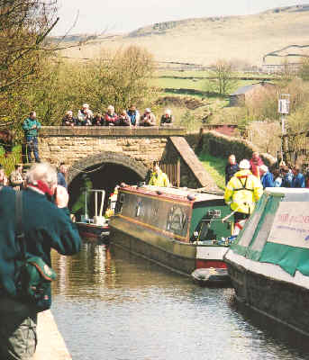 The first tow of boats enters Standedge Tunnel