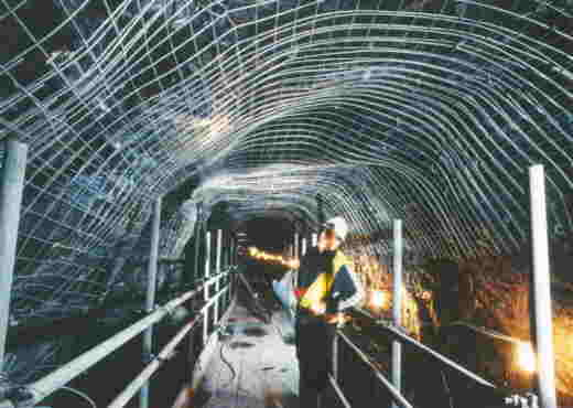 Steel mesh covering walls and roof (Photo: British Waterways)