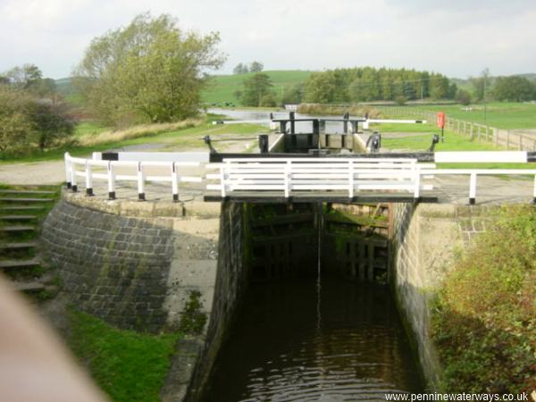 Holme Bridge Lock, Leeds and Liverpool Canal